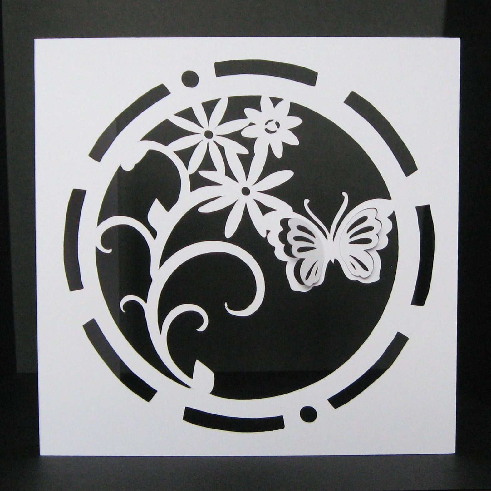 circle butterfly card template 5 x 5 inch. Black Bedroom Furniture Sets. Home Design Ideas